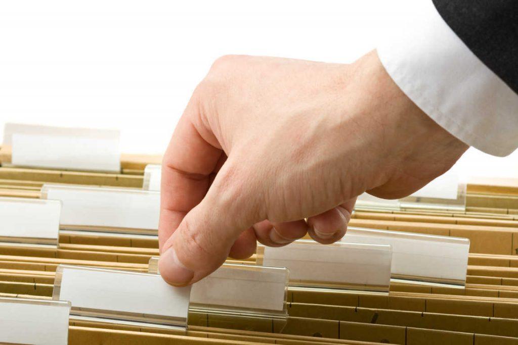 ¿Cuáles son los servicios que prestan las gestorías a las empresas?