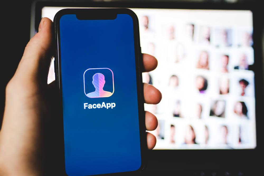 Famosos que cambiaron de sexo con FaceApp