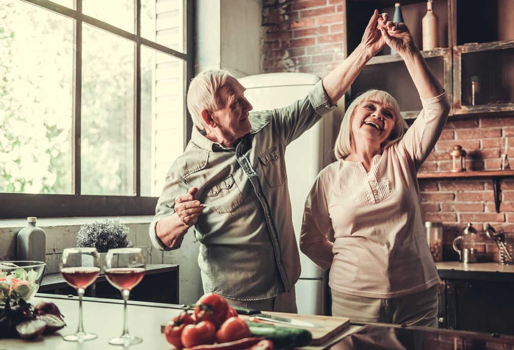 Acondicionar el hogar para los abuelos, una forma de protegerlos